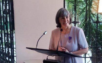 Francia otorga la orden de las Palmas Académicas a la Profª.  Aura Marina Boadas